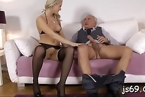 Slut concerning consummate body gets the larger dick than expected