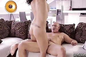 Teen pays And along to pre-eminently she enjoyed to gulp his penis deep