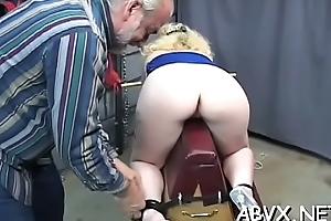 Resemble spanking and freezing bondage on woman'_s throw out