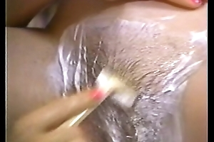 Retro porn - sexy blonde shaving black brown seta